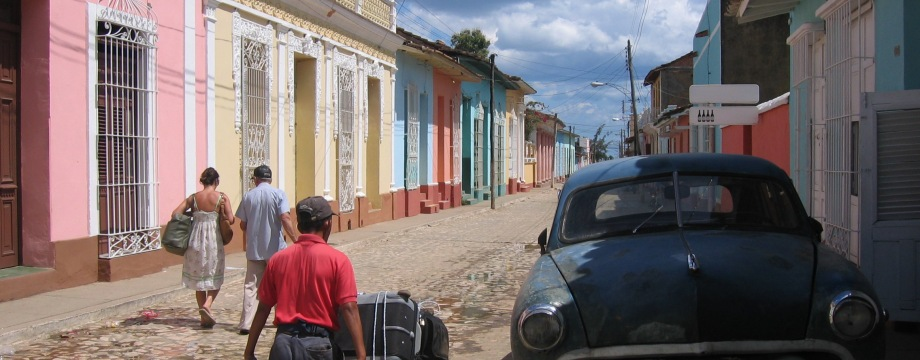 Transport of luggage from bus station to casa particular in Trinidad